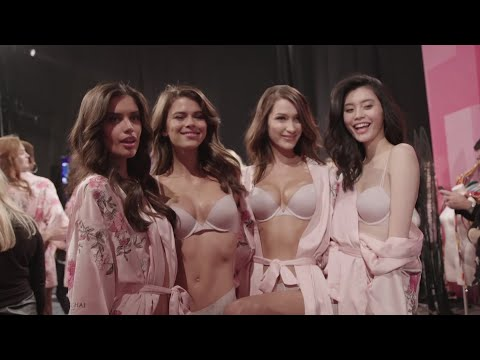 Victoria's Secrets angels take off in Shanghai