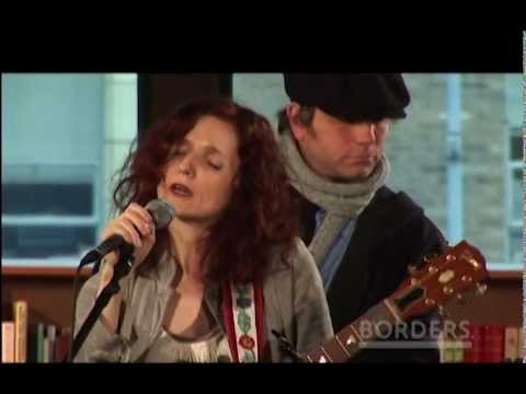 Patty Griffin Sings Up To The Mountain (MLK Song) LIVE