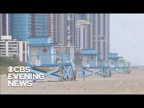 Red tide closing Florida beaches