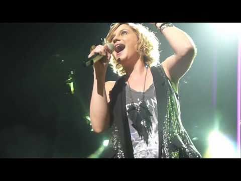 Sugarland - Settlin' - Grand Rapids, MI 3/17/11
