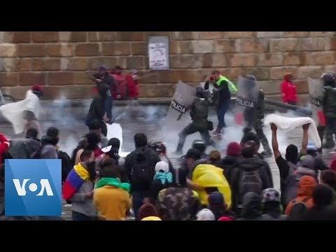 Protesters Violently Clash With Police in Colombia After Massive Anti-Austerity March