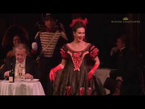 Aida Garifullina singt die Arie der Musetta aus Puccinis LA BOHÈME