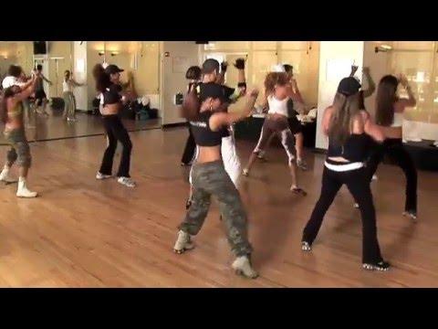 Zumba dance by www.standles.com