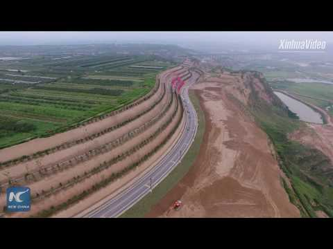828 km-long highway along Yellow River opens to traffic in Shaanxi, China