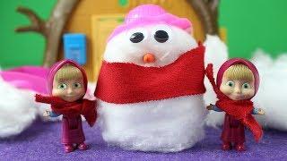 Maşalar Kar Topu Oynuyor Kardan Adam Yapıyor Eğlenceli Çocuk Videoları