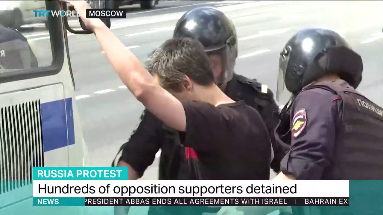 Over 1,000 arrested in Moscow protests – Russia police