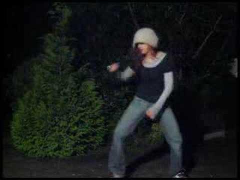 Irish babe dances her ass off to Daft Punk