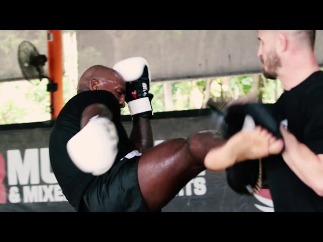 MMA knockout artist Khalil Rountree smashes the pads ahead of UFC 257