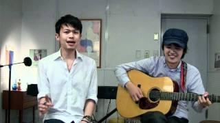 ボーカル:d-ize、齋藤ジョニー ギター:齋藤ジョニー.