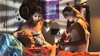 Repeat youtube video As Meninas 1995 - Adriana Esteves