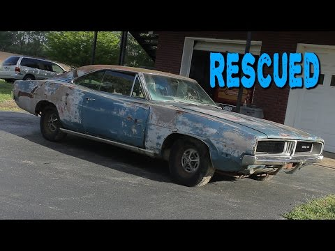 ABANDONED 1969 Dodge Charger Sitting for 20 Years