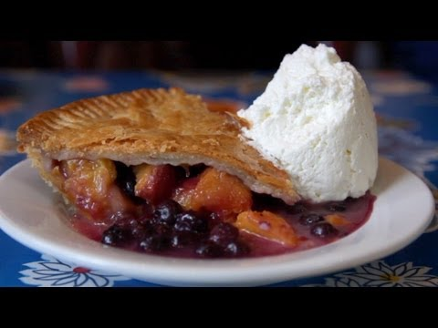 Save NY CHOW Report - Blueberry Peach Pie at Brooklyn's Fort Defiance Pictures