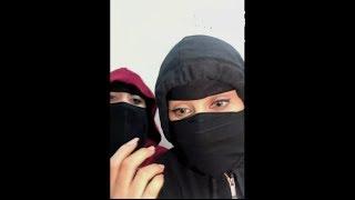 سعودية مع أختها بث مباشر تقول انها تجلخ