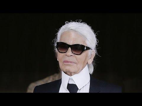 Geistesblitze in der Badewanne - Karl Lagerfeld im euronews-Interview