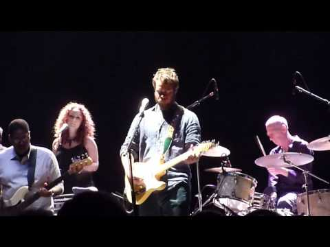 "Amos Lee LIVE ""Seen It All Before"" Beacon Theater NYC"