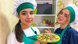 МАЛЕНЬКИЕ БУТЕРЫ ИЗ КАБАЧКОВ! ВКУСНО! (Cool Kids Кухня) Простые рецепты для школьников