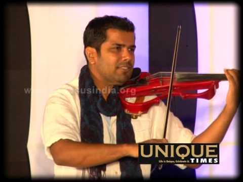 Balabhaskar & Stephen Devassy in Manappuram Minnalai Award