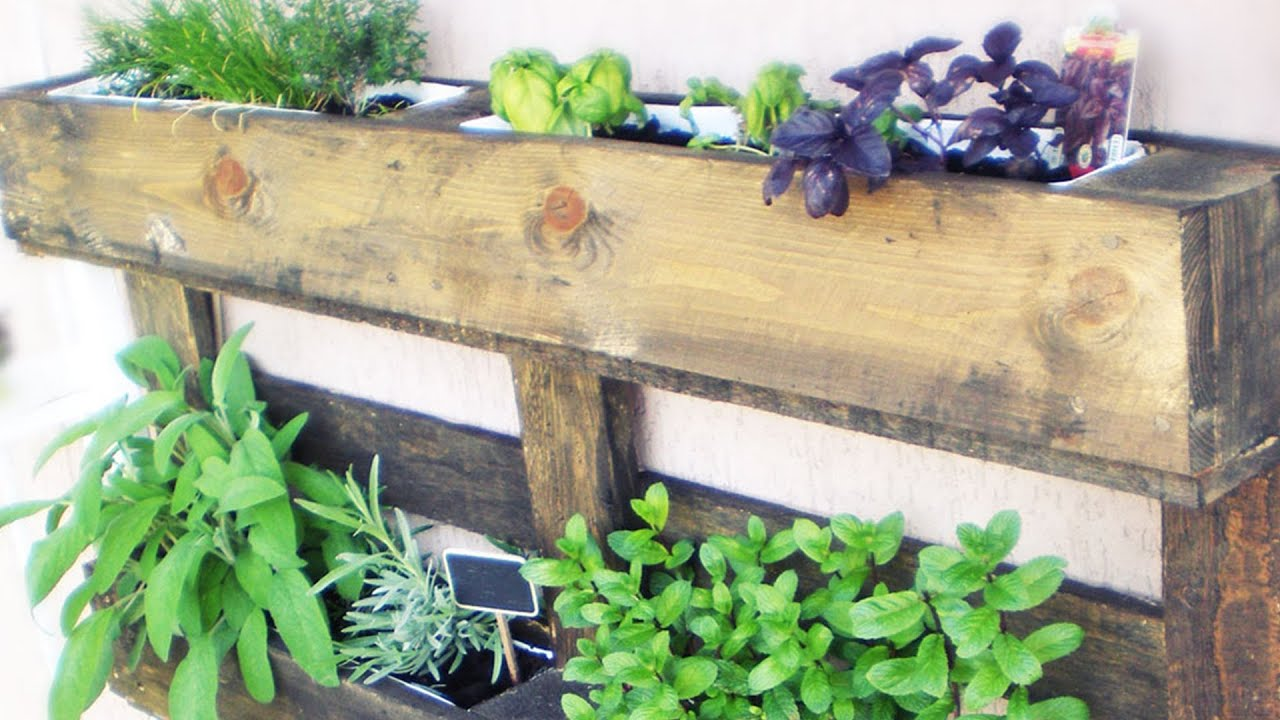 My balcony garden il mio orto sul balcone youtube for Orto pensile fai da te