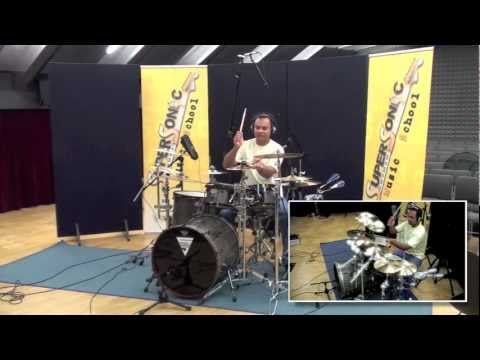André Araujo presenta il corso di Batteria e Percussioni latino-americane.m4v