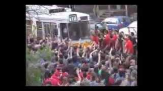 fanatic fans in a street car - jump jump!
