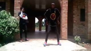 KOFI KINAATA(sweetie pie dance video)