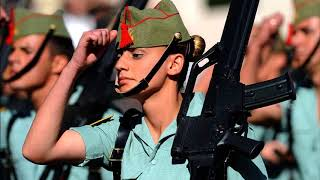 Женщинам военная форма к лицу