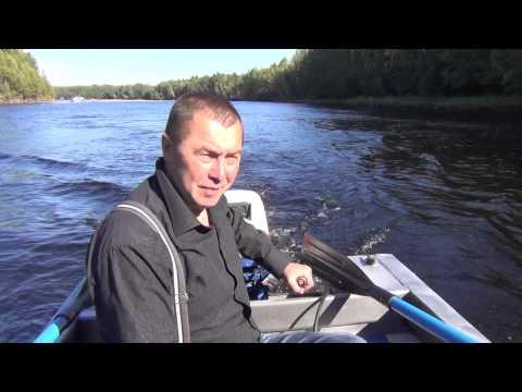 Лодочный мотор ,,SUZUKI DT 20 (25),, . На лодке ,,Неман 1,, .