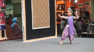 Jaipongan Dance by Karina Adiba 2