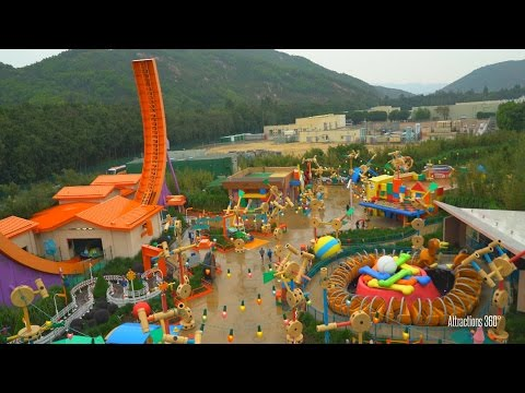 [4K] Hong Kong Disneyland Parachute Drop Ride - Toy Story Land 2016