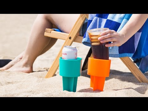 No-spill, sand-free drinks at the beach.