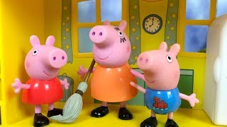 MUMMY PIG TRIES TO KEEP THE HOUSE CLEAN - FUNNY STORY WITH PEPPA GEORGE & DADDY PIG