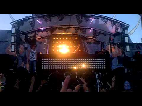 Coone - Music is art Live @ The Qontinent 2012