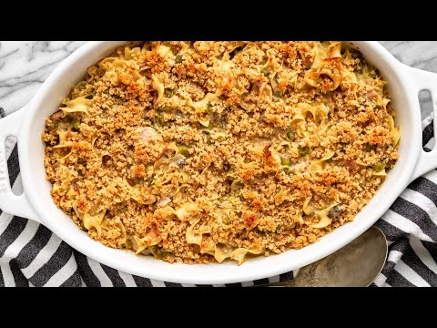 Easy Tuna Casserole With Egg Noodles (6 Ingredients!)