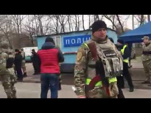 А как там у хохлов: ветераны АТО прорываются на блокаду Донбасса(ВИДЕО)