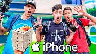 DESTRUYO los MOVILES de TODA la EPIC HOUSE y les REGALO el iPhone 12...