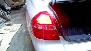Замена ламп в заденем центральном стоп сигнале Chevrolet Aveo .