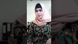 Hijab pamer toge monstrook