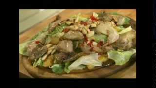 Фаршированные перепела на гриле и теплый салат.