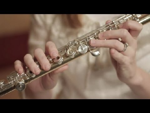 How to Key for D Sharp on a Flute : Flutes