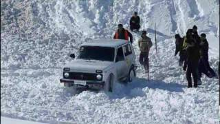 Repeat youtube video lada niva vs jeep wrangler vs toyota