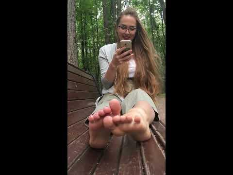 Щекотка челлендж / Tickle feet challenge №1