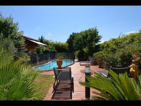 Luxury house with a fenced private pool situated  in a quiet environment with beautiful views