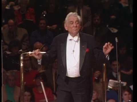 Candide Overture: Leonard Bernstein conducting