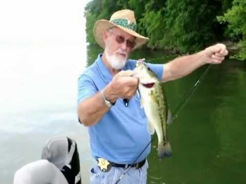 Pickwick Lake Fishing Bass & Blue Gill Slider.mp4