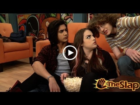 Jade and Beck! | TheSlap | Hollywood Arts' Victorious