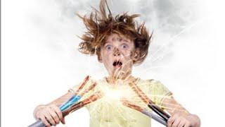 Reagindo à  pessouas tomando choque