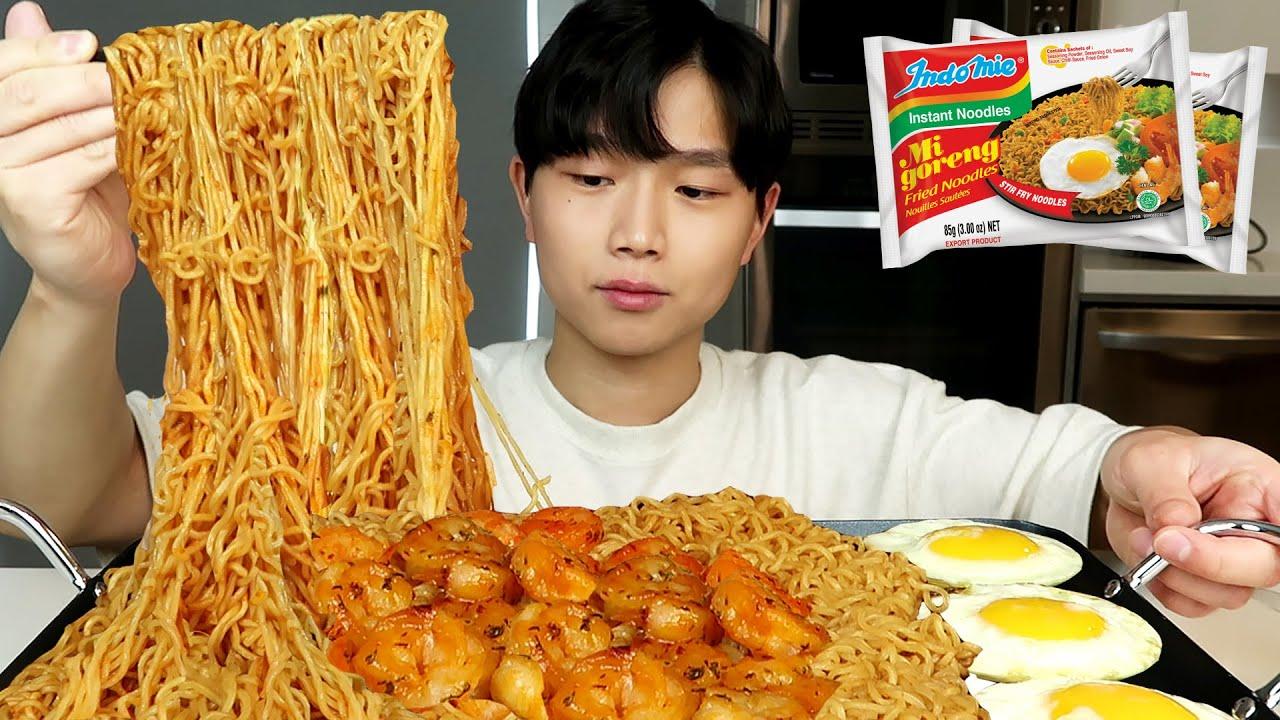 SPICY INDOMIE MI GORENG WITH GARLIC SHRIMP & FRIED EGGS MUKBANG (Most Popular Noodles)