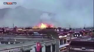 شاهد.. حريق يلتهم أحد أهم المعابد البوذية في العالم