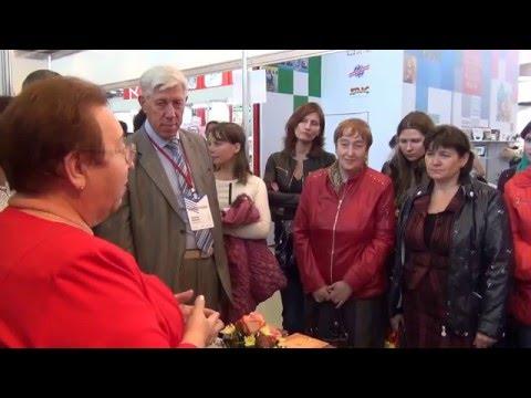 Холостова Е.И. Общение со специалистами социальной работы на Книжной ярмарке