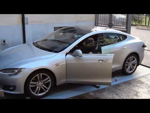Tesla Model S automated charging parking